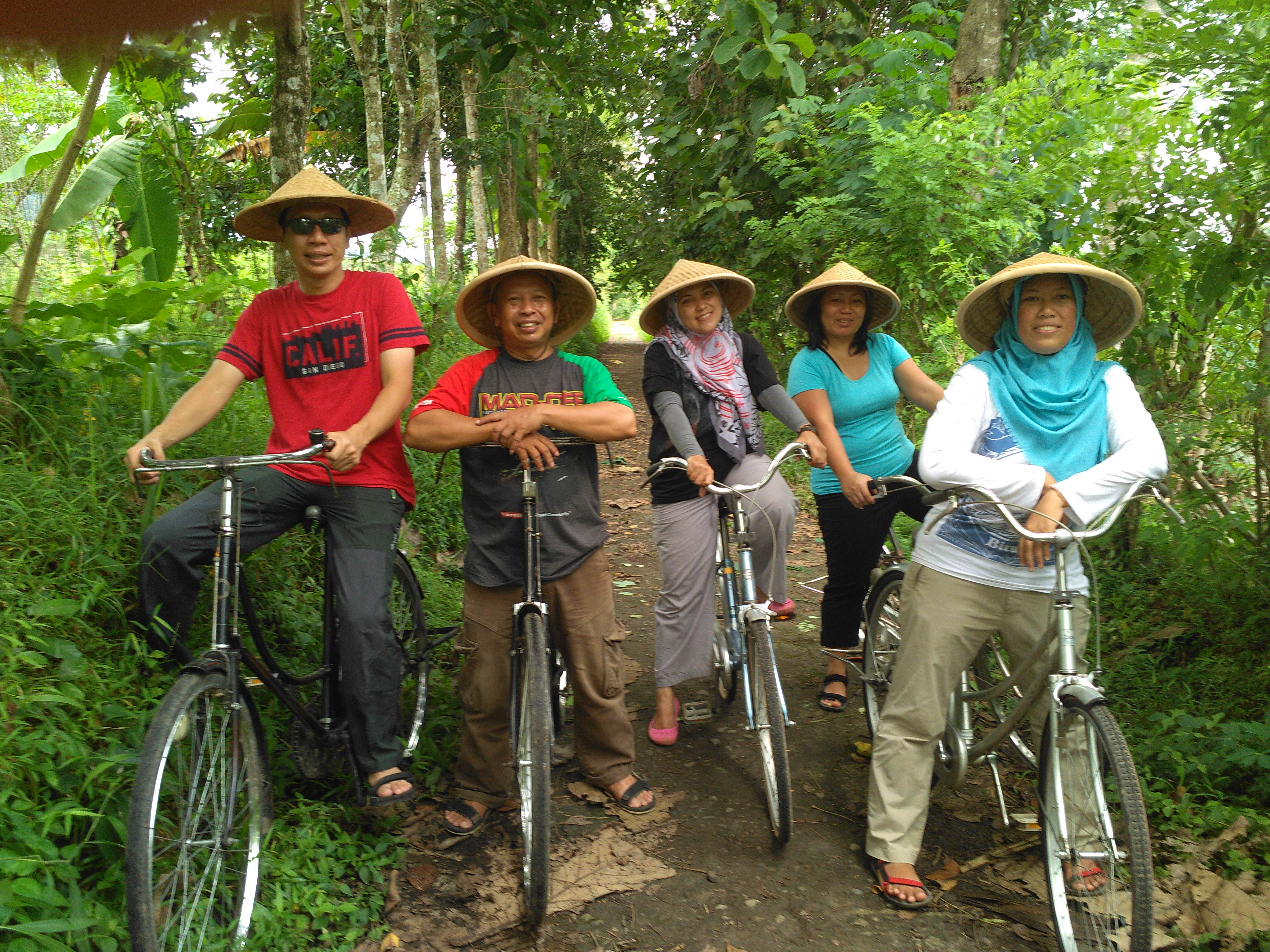 cycling tour in borobudur