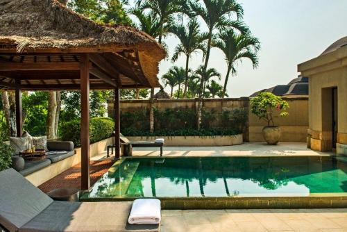 amanjiwo resort 3